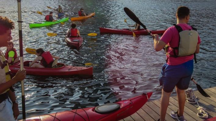 kayakers on the Walnut Street Dock
